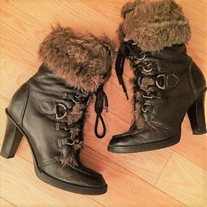 Vintage Unique Winter Heeled Boots (size 37)